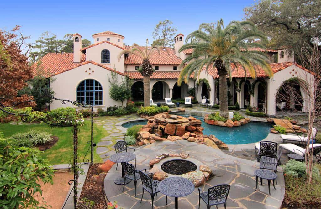 Mediterranean-Mansion-In-Houston-1.jpg