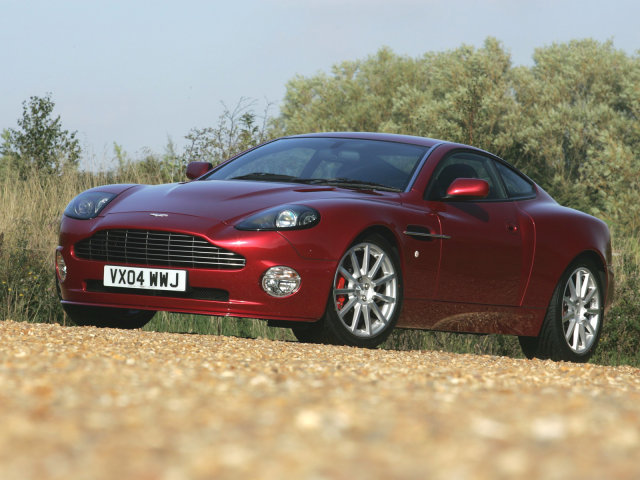 Aston%20Martin_V12%20Vanquish_Coupe_2001