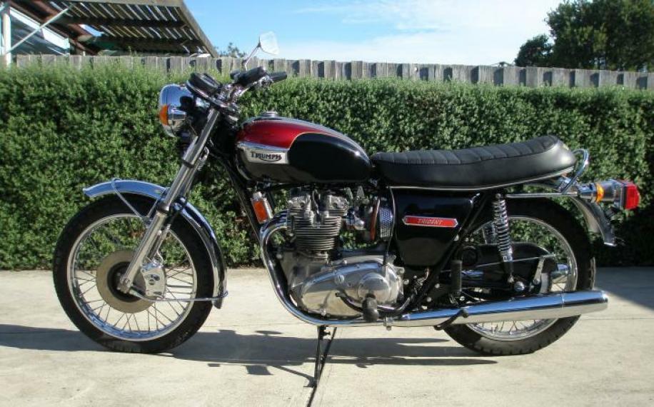 1973-triumph-trident-t150-1-916x570.jpg