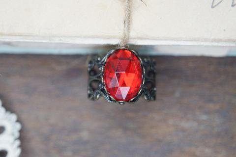 rubyamulet-ring3_large.jpg?v=1450125209
