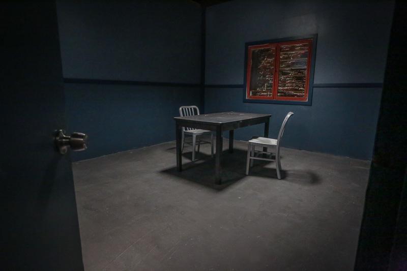 police-standing-set-studio-in-la-0041.jpg