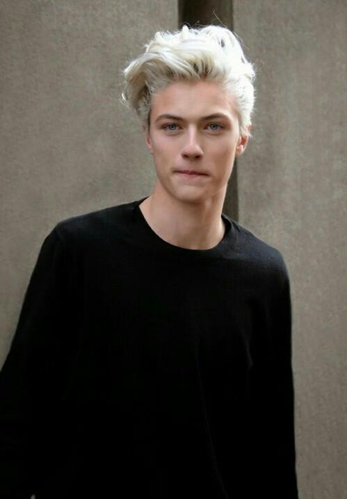 blonde-boy-fashion-lip-bite-menswear-Fav