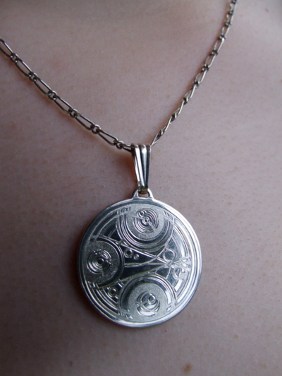 Necklace_by_Girl_on_the_Moon.png