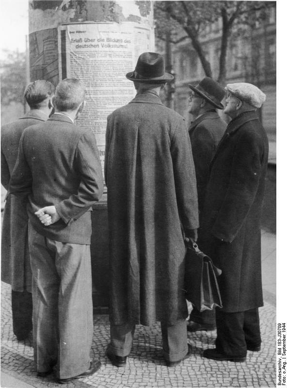Bundesarchiv_Bild_183-J30709%2C_Berlin%2