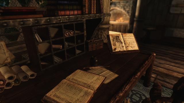 Письменный стол в особняке Элизиум