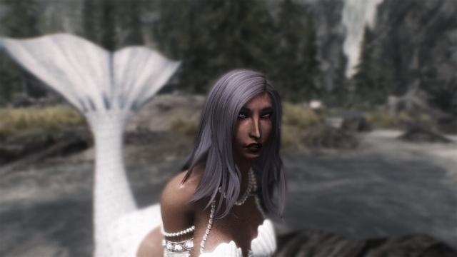 Русалка с голубыми волосами