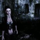 Притаилась в Темноте