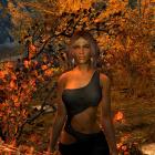 Лаура в осеннем лесу.