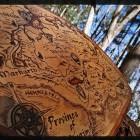 Карта на срезе дерева.