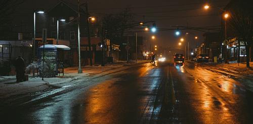 pre_1625214918__vehicles-on-road-at-night.jpg
